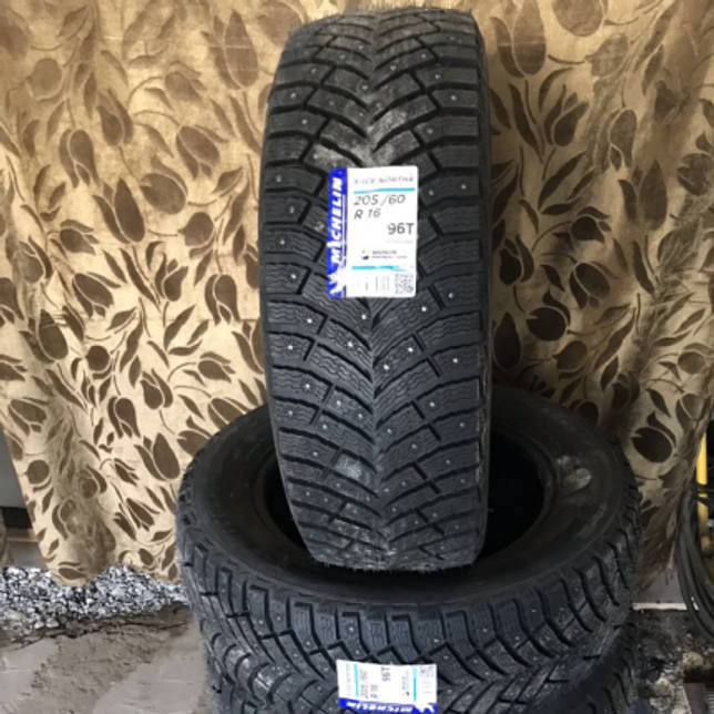 Michelin X-Ice North 4 205/60 R16